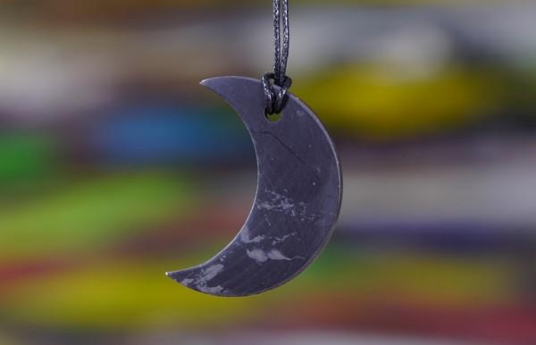 Schungit Anhänger Mond