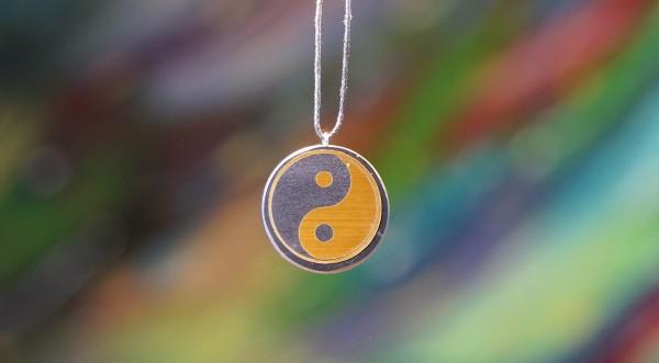 Schungit Anhänger rund, Yin und Yang gold Ø ca.2.5-3cm