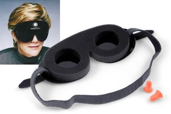 Relaxmaske von Mindfold mit Ohrstöpsel
