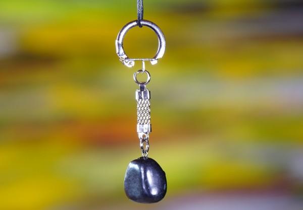 Schungit Schlüsselanhänger Trommelstein poliert