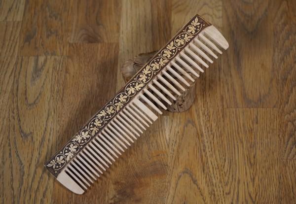 Haarkamm aus Birkenholz, Handarbeit