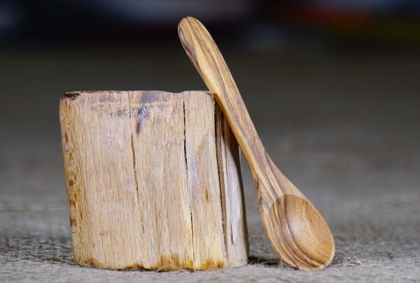 Kleiner Löffel aus Olivenholz ca. 12cm